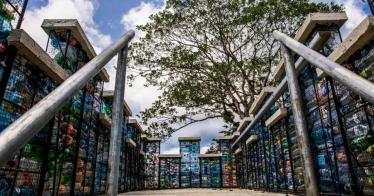 In Panama entsteht ein Dorf aus Plastikflaschen (Video)