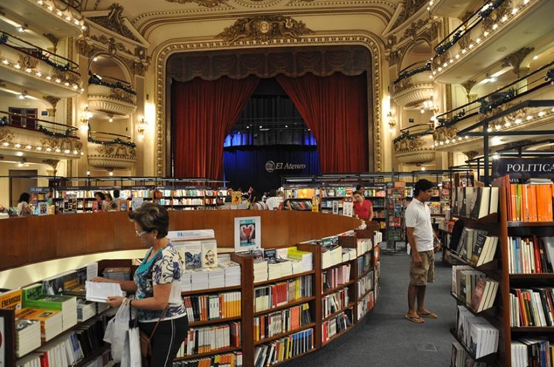 Buenso Aires Buchhandlung im Theater El Ateneo Grand Splendid | Quelle: https://commons.wikimedia.org/wiki/File:El_Ateneo_Grand_Splendid_(4728807067).jpg
