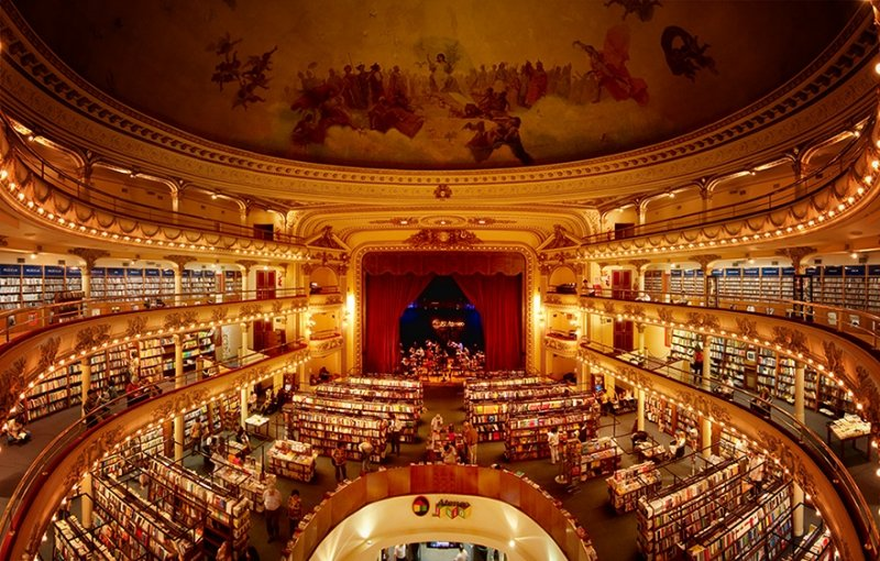 Buenso Aires Buchhandlung im Theater El Ateneo Grand Splendid | Quelle: https://www.flickr.com/photos/m4caque/4980740165/